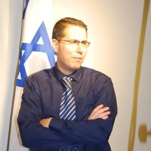 Eli Hazan politikai tanácsadó, az izraeli Likud párt kommunikácoós és nemzetközi kapcsolatok igazgatója
