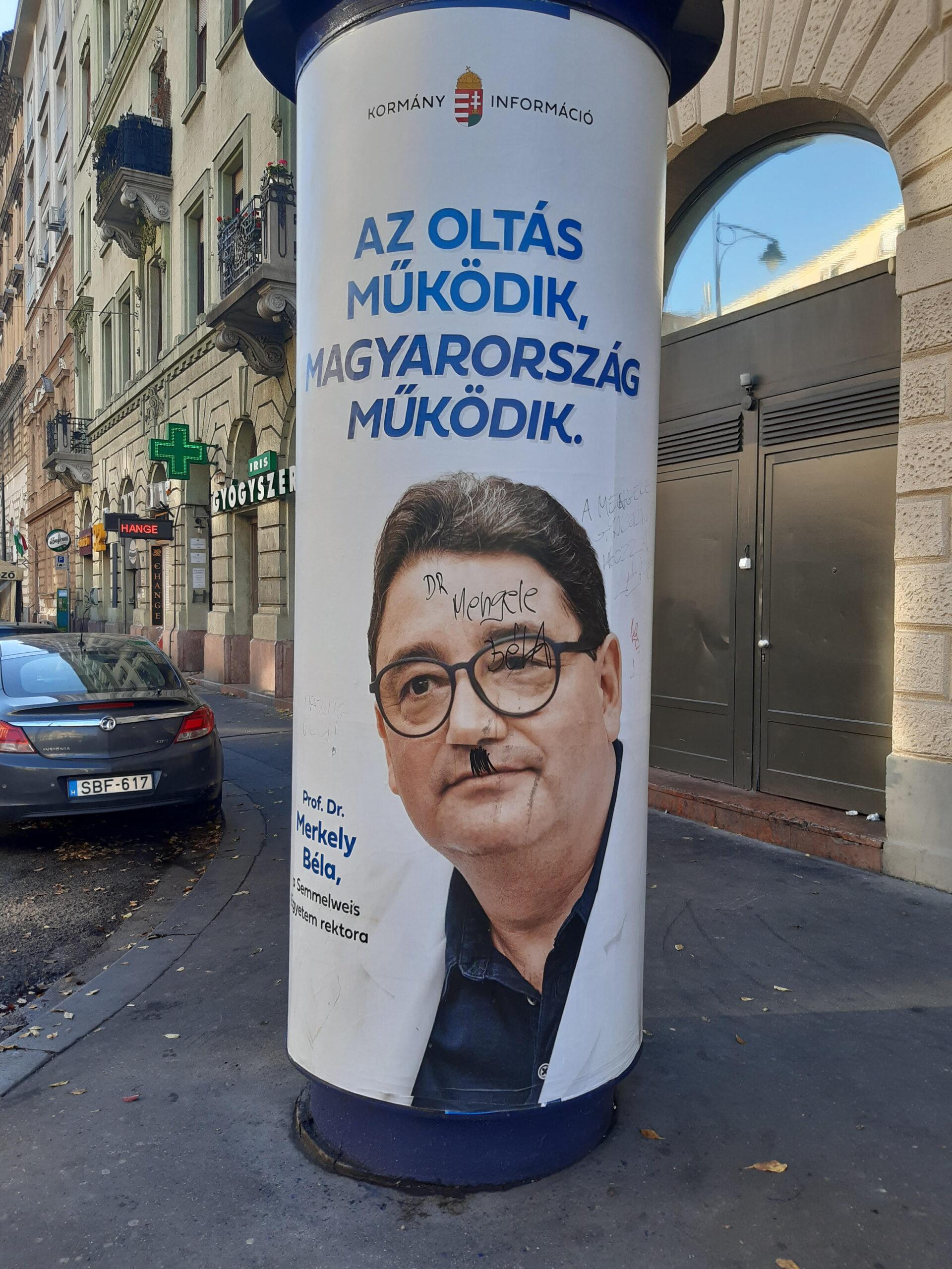 Antiszemita feliratot festettek egy kormányzati plakátra a 32-esek terén