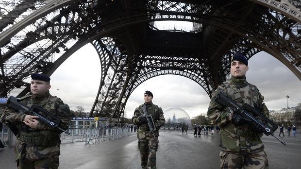 Izraelbe menekítenék a francia zsidókat