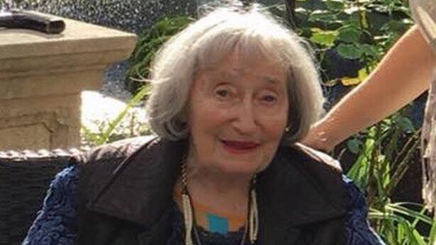 Antiszemita jellegű gyilkossággal vádolnak két francia fiatalt, akik Allah akbart kiáltva megkéselték Mireille Knoll 85 éves holokauszttúlélőt