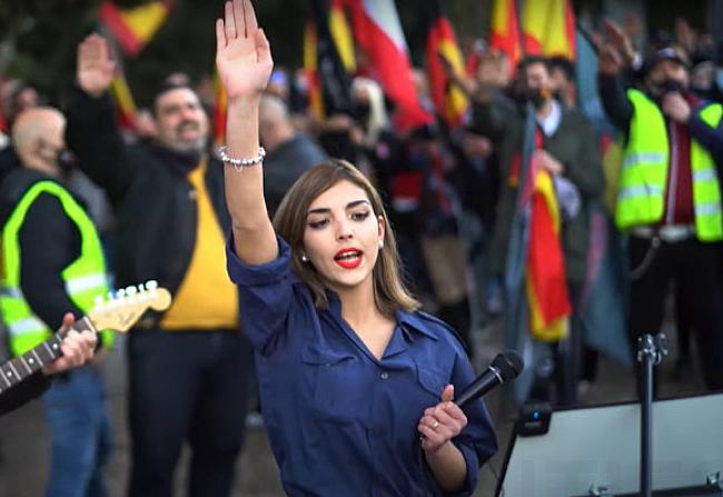 """""""A zsidó a bűnös"""" – spanyol neonácik botrányos megemlékezése"""