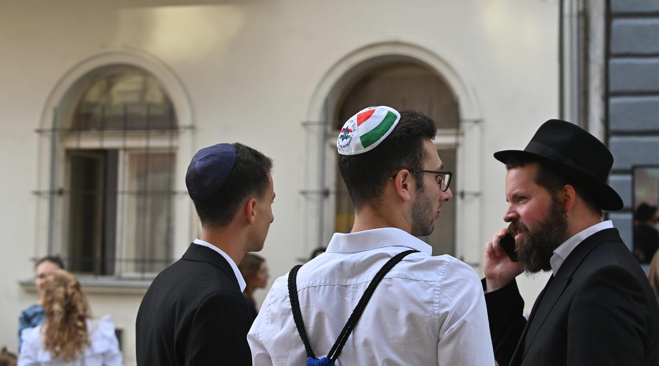 Kevés az összefüggés a zsidóellenes nézetek elterjedtsége és az antiszemita támadások száma között